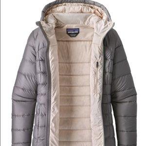Navy Patagonia Women's Hi-Loft Down Hooded coat